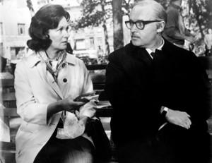 Marilyn Birchfield (Geraldine Fitzgerald, l.) mit dem Pfandleiher Sol Nazerman (Rod Steiger)